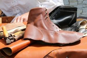 Confezionare le proprie scarpe di cuoio in Toscana