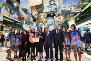Le Championnat du Monde de Cueillette d'Olives reçoit son prix de Best Creative Experience à la FITUR 2020
