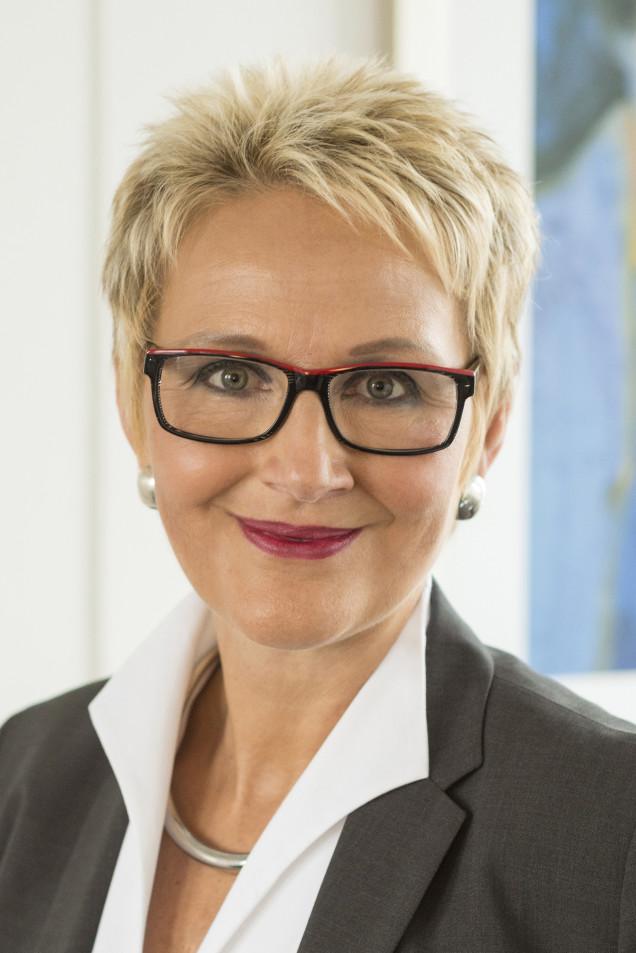 Frau Dr. Döll-König-001Ausschnitt